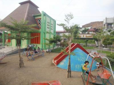 Predikat Solo Kota Layak Anak Terganjal Iklan Rokok